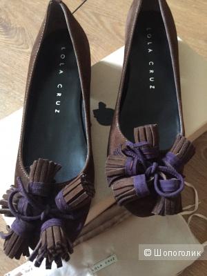 Замшевые туфли коричневого цвета Lola Cruz 37 размер