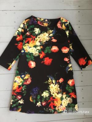 Платье черное с цветами