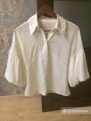 Очень красивая блузка  размер 42.