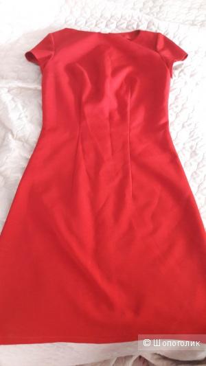 Красное платье 44-46 размера