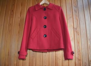Красное короткое пальто, р.S