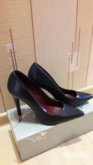 Кожаные туфли Zara basic 37 размера