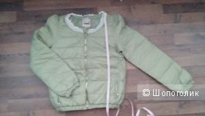 Утепленная куртка светло-фисташкового цвета 42 размер