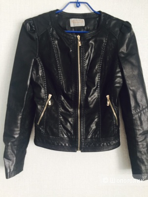 Эффектная куртка с кружевными вставками