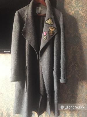 Пальто Zara. Размер M.