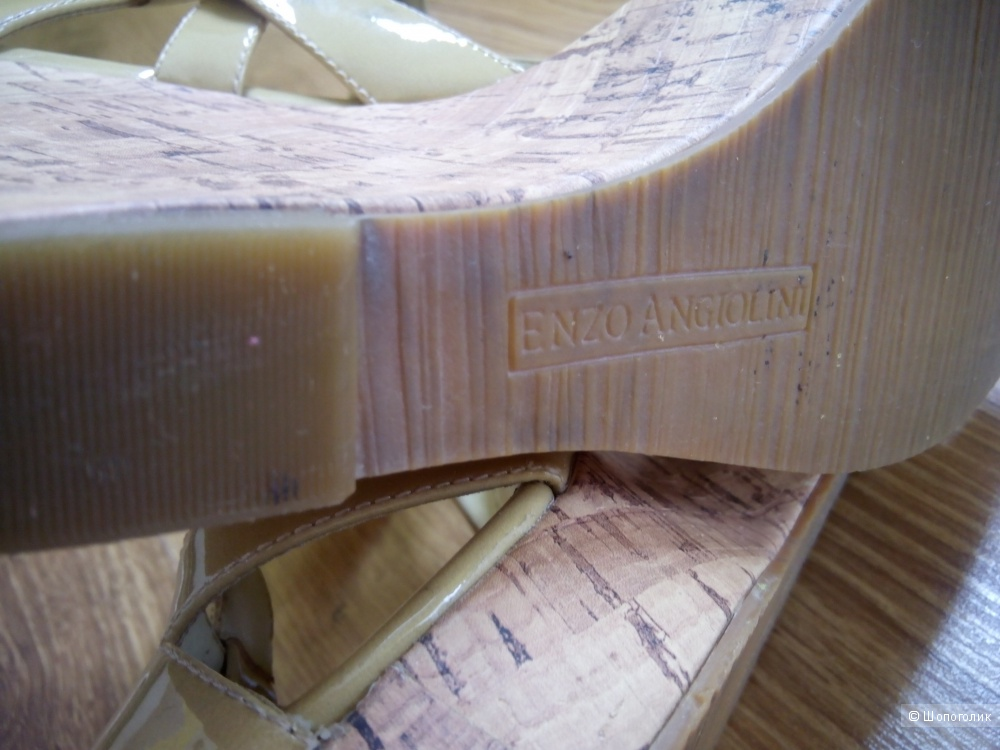 Красивые нюдовые босоножки на танкетке из натуральной кожи Enzo Angiolini 38 размер