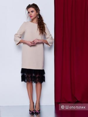 Красивое бежевое платье с кружевом Grand, 46 размер
