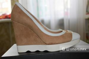 Новые замшевые туфли на скале French Connection 37 размер
