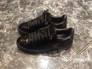 Черные лаковые кеды Louis Vuitton