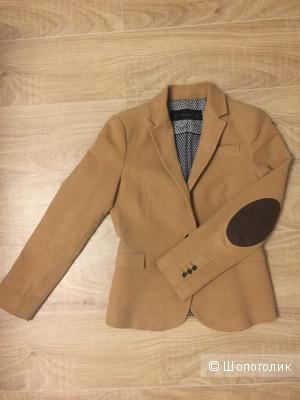 Бархатный пиджак Zara . Размер M.