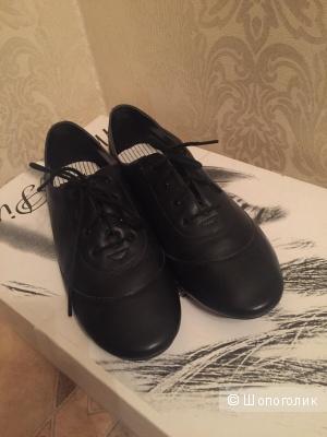 Новая кожаная обувь FILA, размер 40-41
