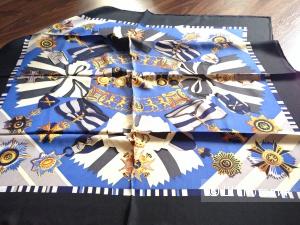 Элитный женский платок  бренда Uterqüe шелк 100% Новый