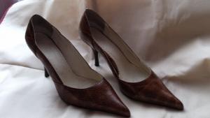 Туфли коричневые лакированные ALIBI, размер 38