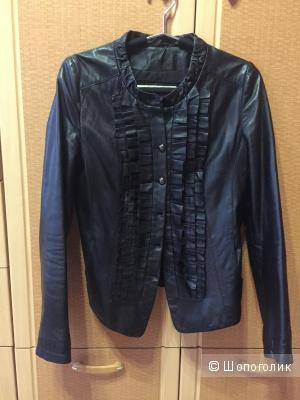 Лёгкая кожаная куртка размер М
