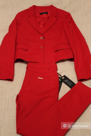 Классический костюм GUESS BY MARCIANO, Италия на 46-48 RUS