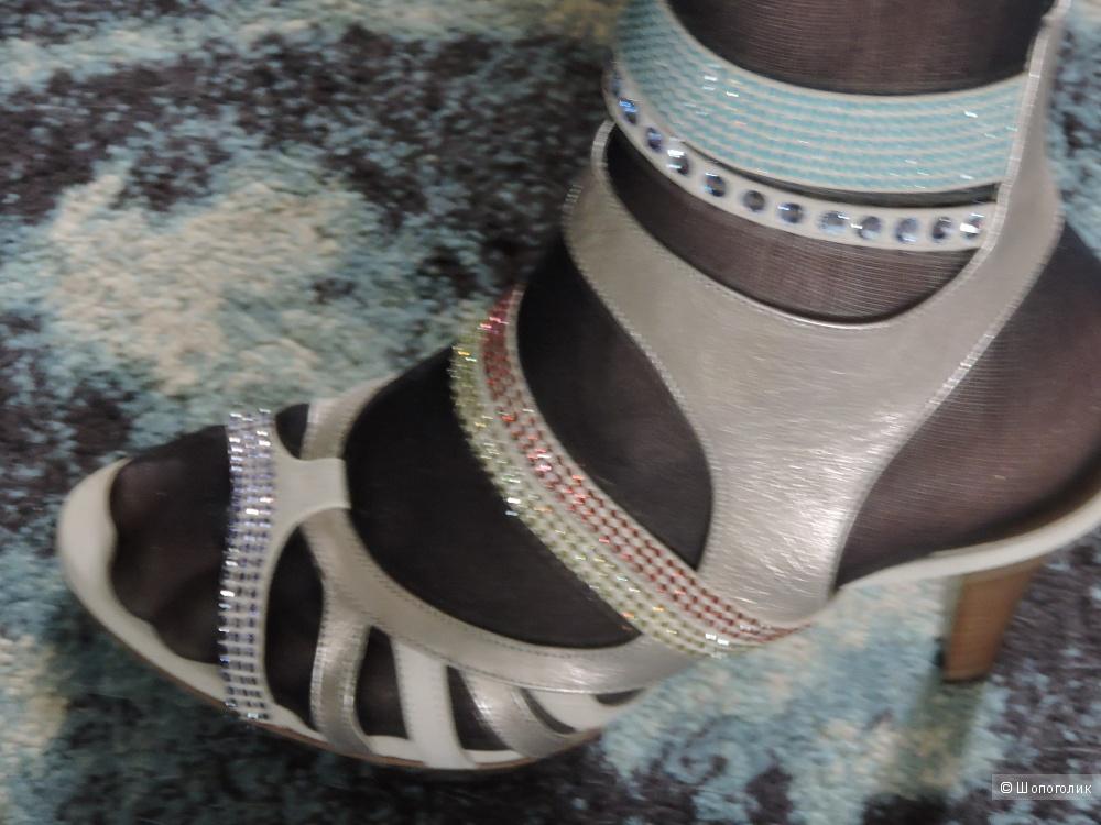 Hogl Swarovski босоножки 40-40,5 размер