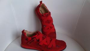 Кроссовки красные MOSCHINO, размер 38, Италия