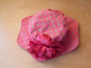Продаю летнюю шапку для девочек на возраст 4 — 10 лет.