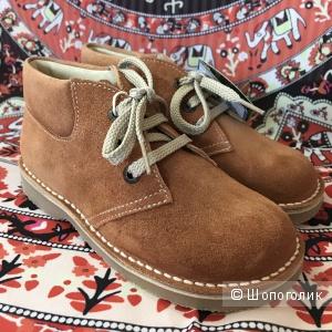 Новые детские замшевые ботинки