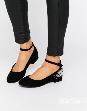 Туфли женские с вышивкой New Look