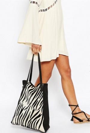 Кожаная сумка - шоппер ASOS. Принт - зебра.