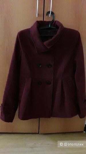 Пальто короткое размер 46-48