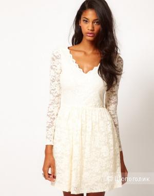 Красивое гипюровое платье цвета спелой вишни 42 р- р.