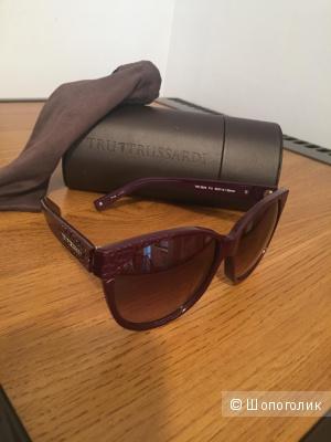 Солнцезащитные очки Trussardi