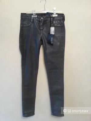 Новые  Джинсовые брюки BLEULAB, 26 р