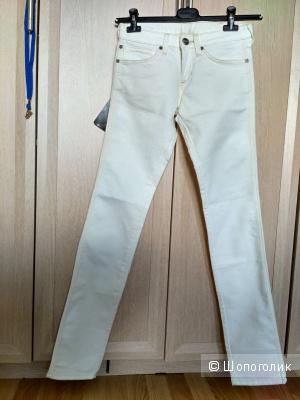 Новые джинсы Wrangler 26/34, маломерки