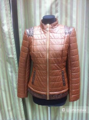 Курточка коричневая р.46-48