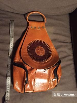 Кожаный рюкзак с аппликацией, Франция.