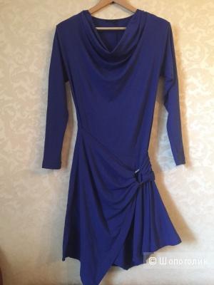 Трикотажное платье в стиле ретро Pinko M