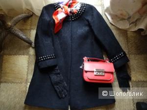 """Лёгкое пальто в стиле """"Chanel"""" чёрного цвета, размер 42-44, б/у"""