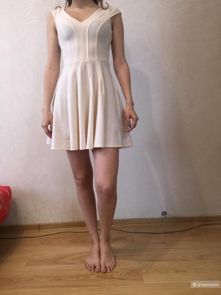 Платье ASOS кремового цвета, размера 6UK