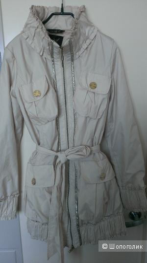 Легкая курточка р. 42-44