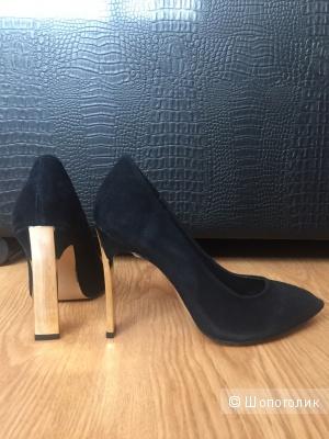 Новые туфли из натуральной замши,размер 39