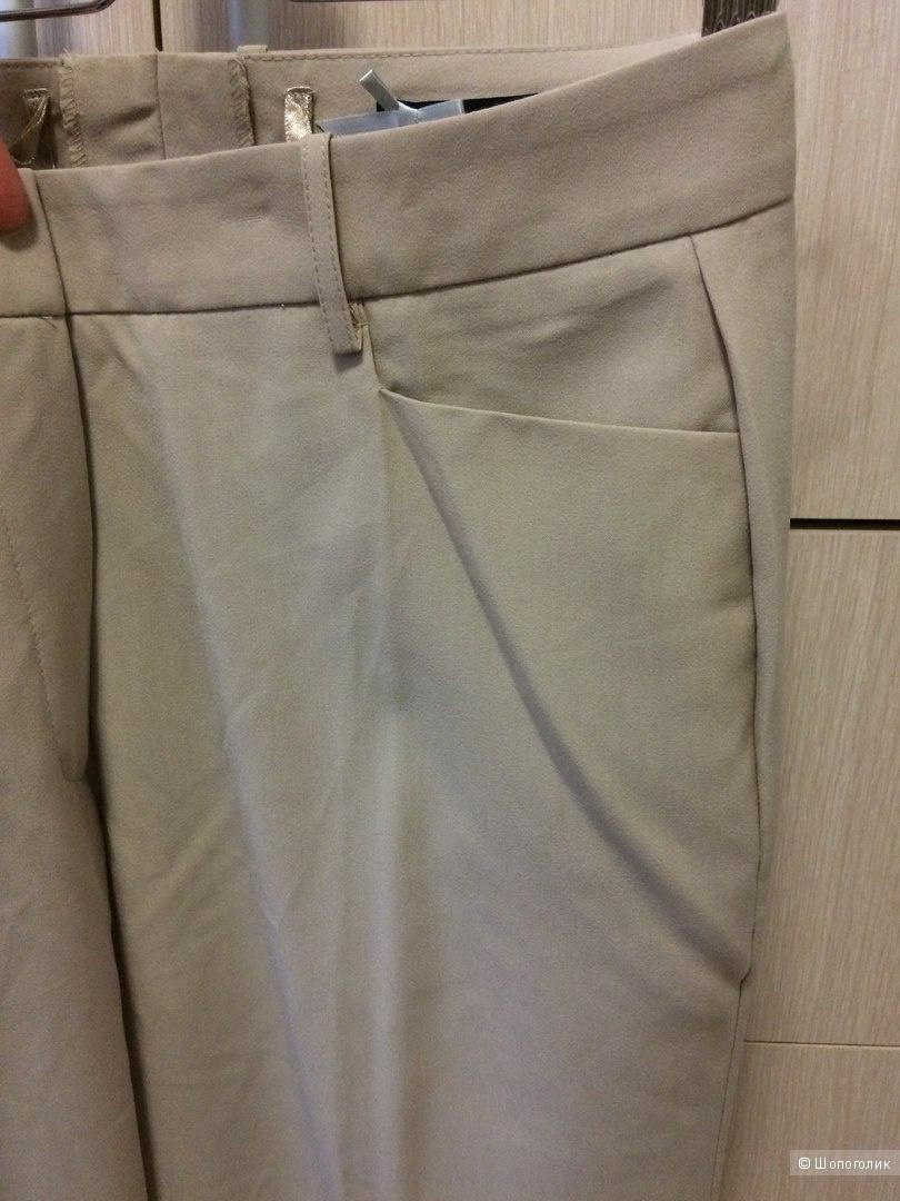 Прямые брюки беж со стрелками 48-50 разм.