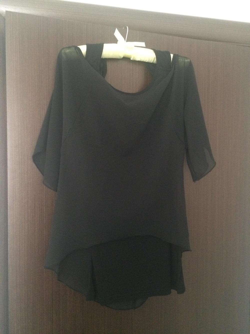 Блузка S,