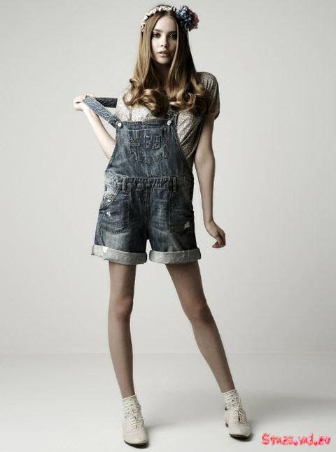 Джинсовый комбинезон-шорты Zara.