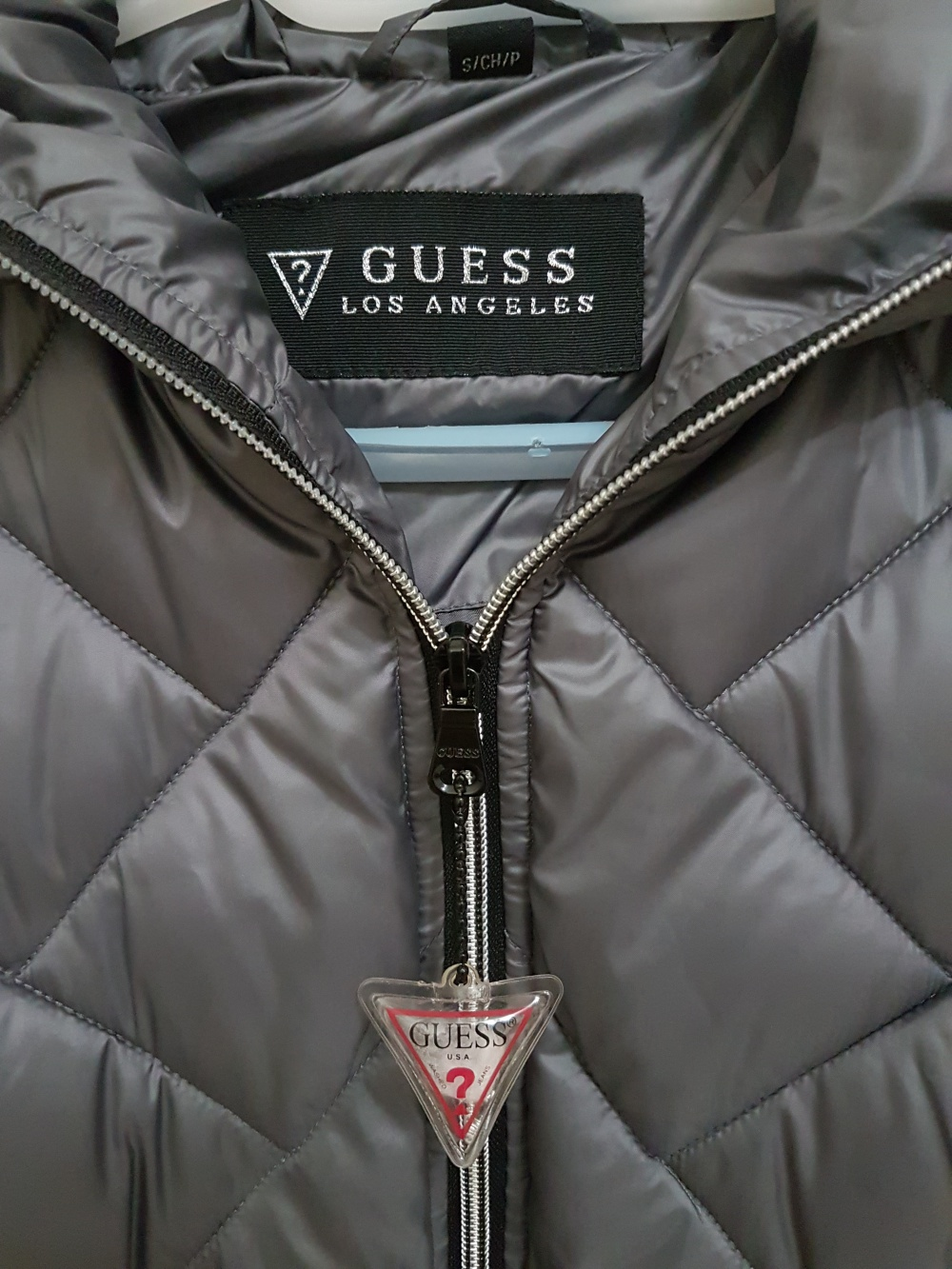 Guess утепленная куртка - пуффер, размер S (42-44)
