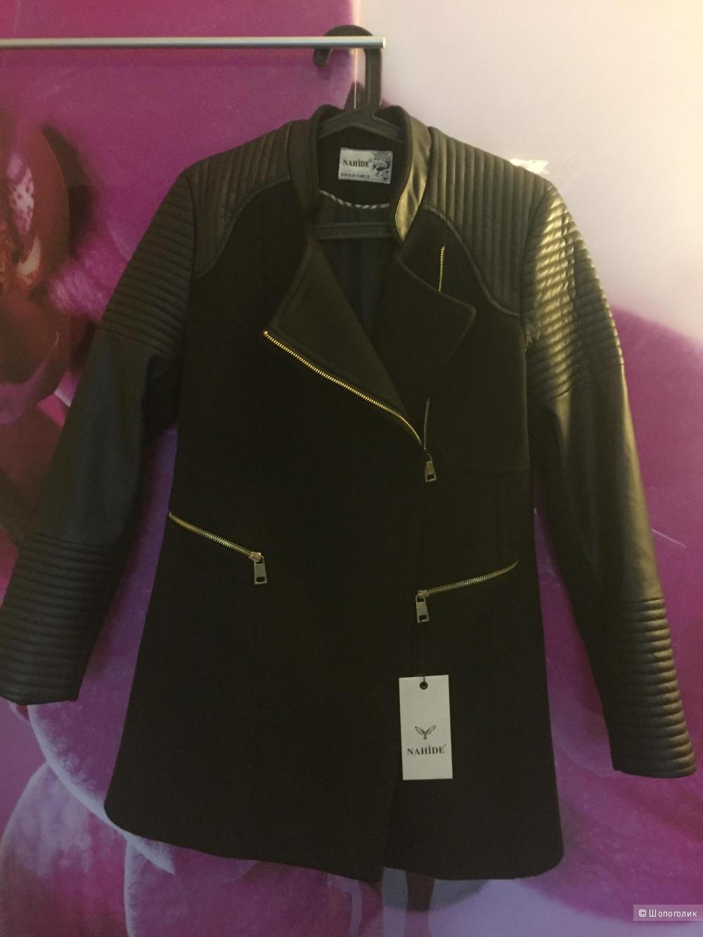 Новое пальто с кожаными рукавами