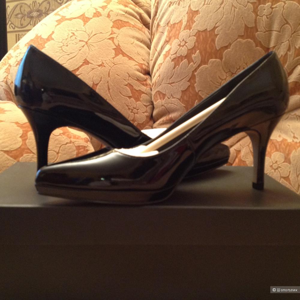 Туфли натуральная лакиров  кожа черного цвета Ellen Tracy размер 81/2(ам) наш 38,5