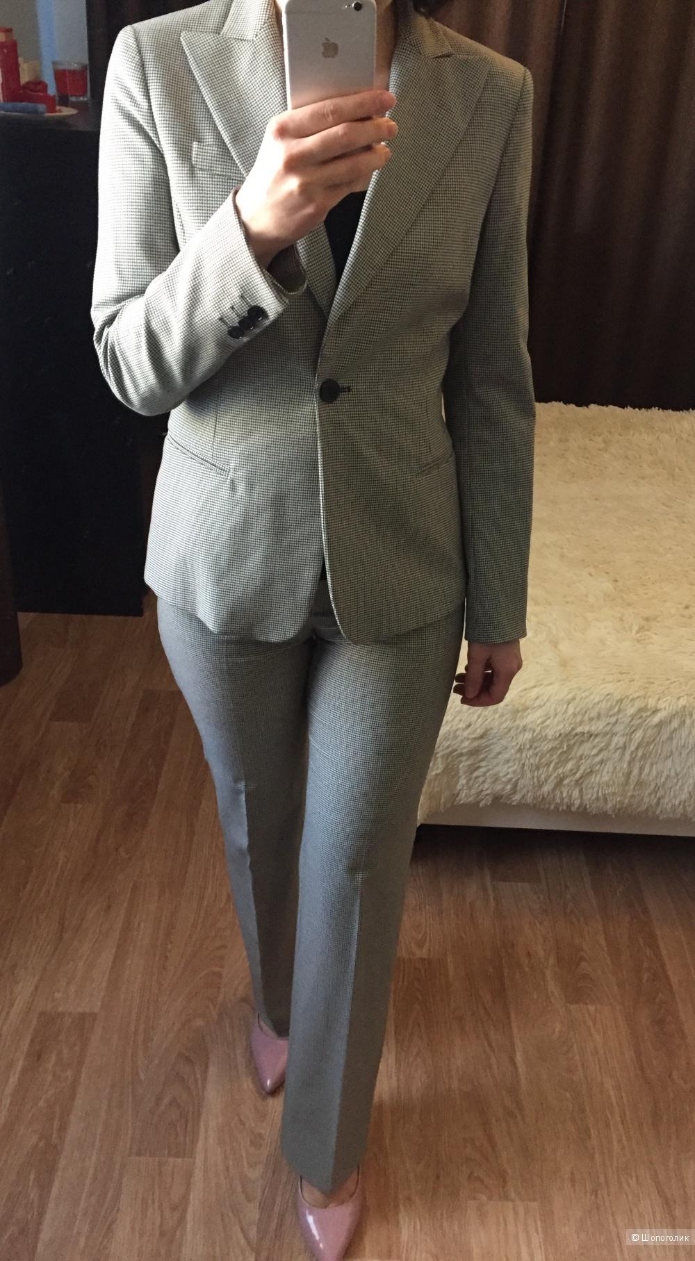 Брючный костюм Max Mara Intrend, размер 42-44