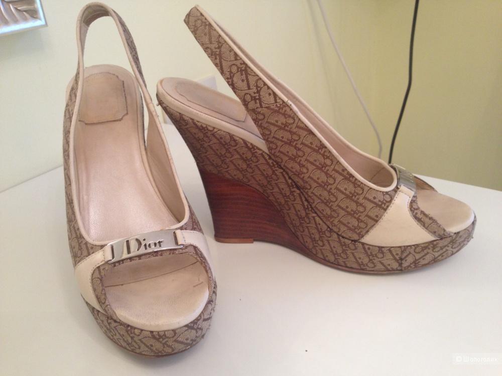 Босоножки Dior (размер 39)