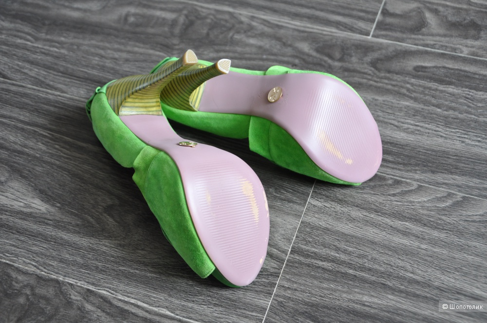 Новые замшевые туфли 37 р-р