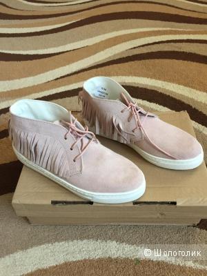 Замшевые ботинки, размер 6UK, цвет - пастельно-розовый