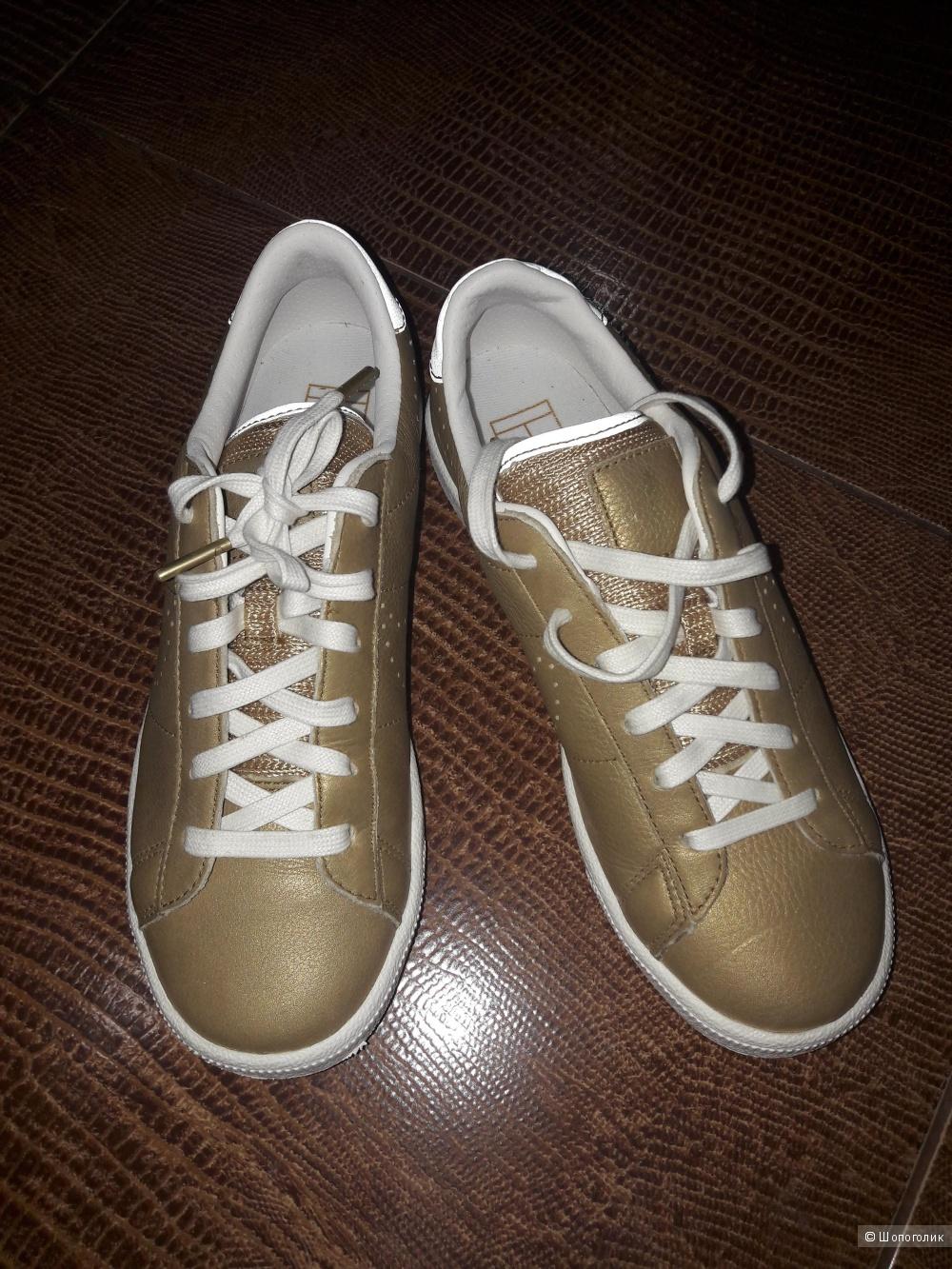 Новые кроссовки Nike. Размер российский 38.