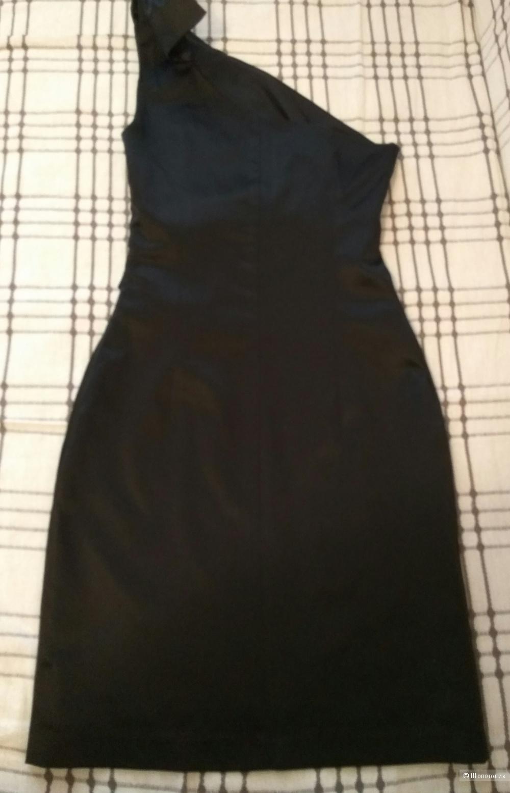 Платье на одно плечо, 40-42р.
