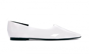 Молочные туфли на низком каблуке Cheap Monday